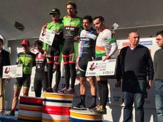 Podium - El equipo Extremadura-Ecopilas gana la II Aquanex-Val Serena Bike Race