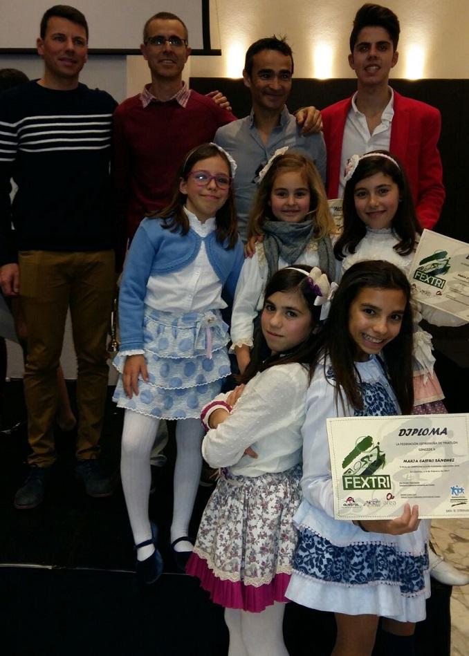 9 Triatletas del Capex fueron premiados en la Gala de Premios de la FEXTRI