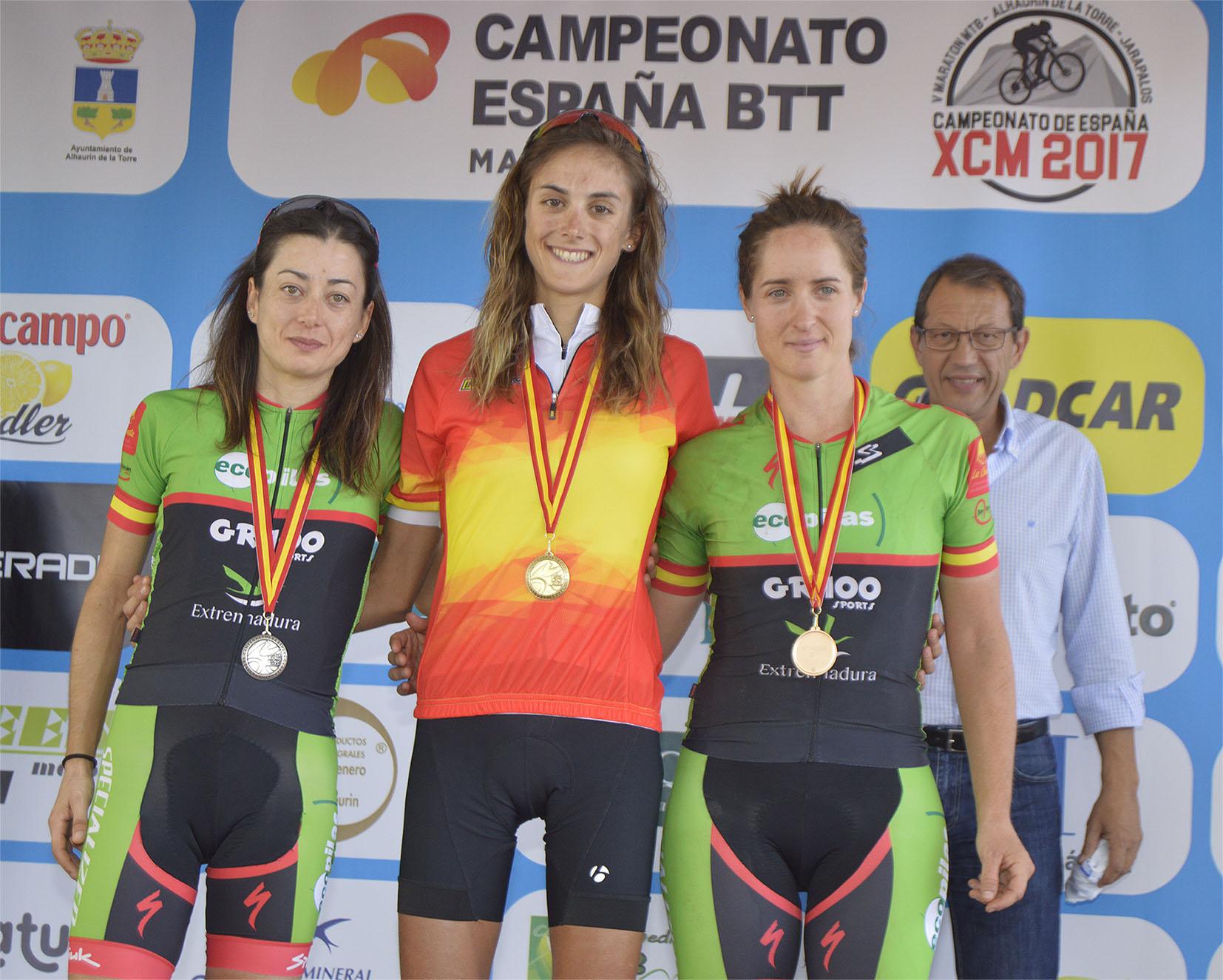 Susana Alonso del Extremadura Ecopilas subcampeona de España, Rocío Martín, bronce.