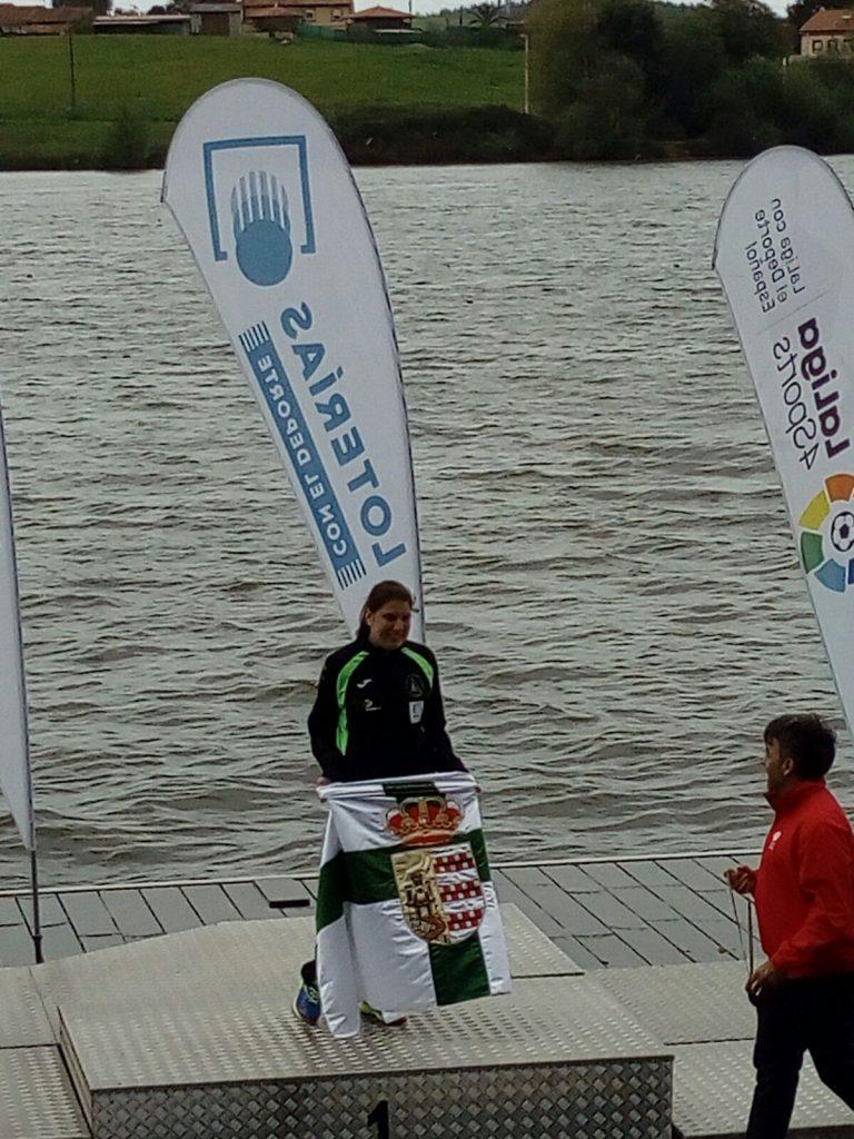 Doble oro de Elena Ayuso en Trasona, consiguió el triunfo en 200 y 500 metros
